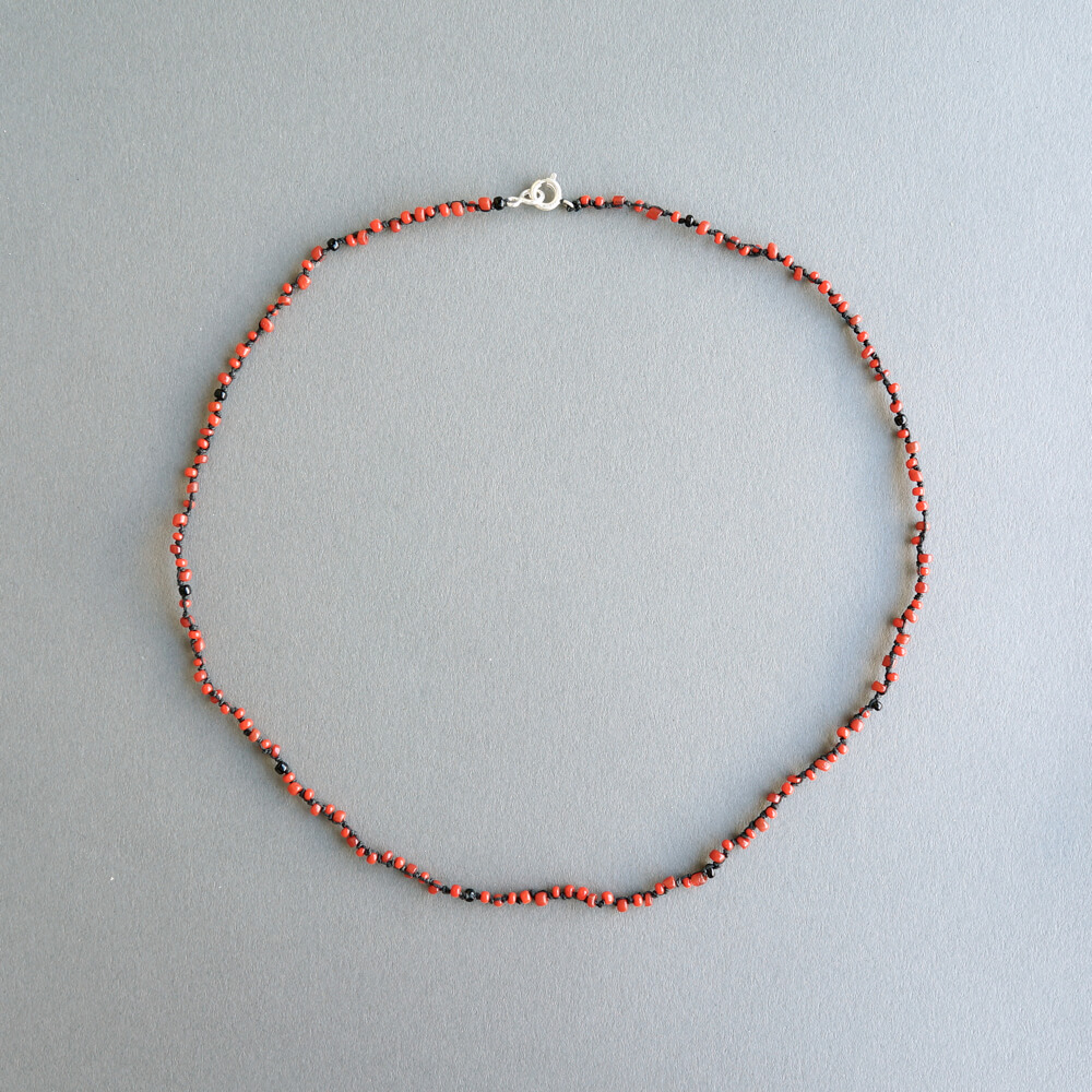 Melanie Decourcey/Multi colored beaded glass bead strands long red_I
