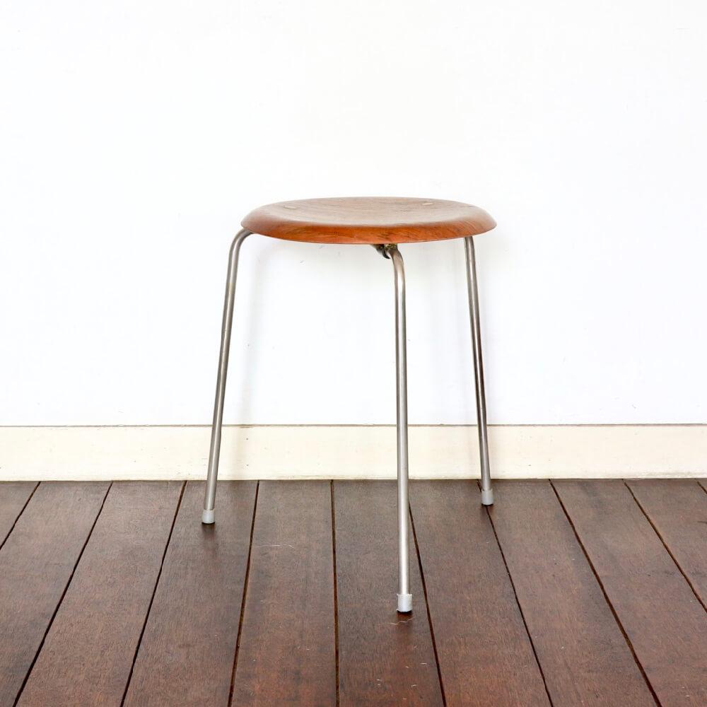 Fritz Hansen /Arne Jacobsen / Dot Stool / TEAK