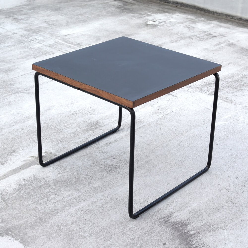 Pierre Guariche / Side Table _Black