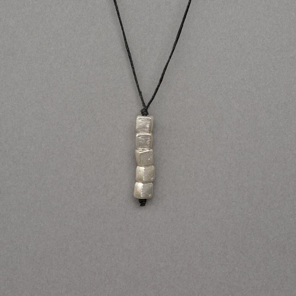Melanie Decourcey/Pendant On String/5 Silver Cubes Pendant