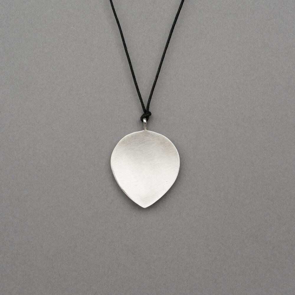 Melanie Decourcey/Pendant On String/Silver Leaf Pendant