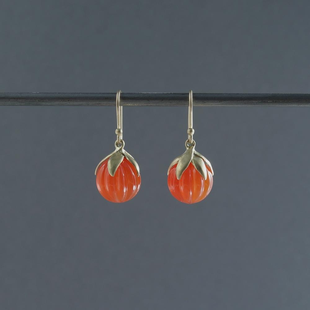 SOURCE objects/Berry Earrings/Carnelian