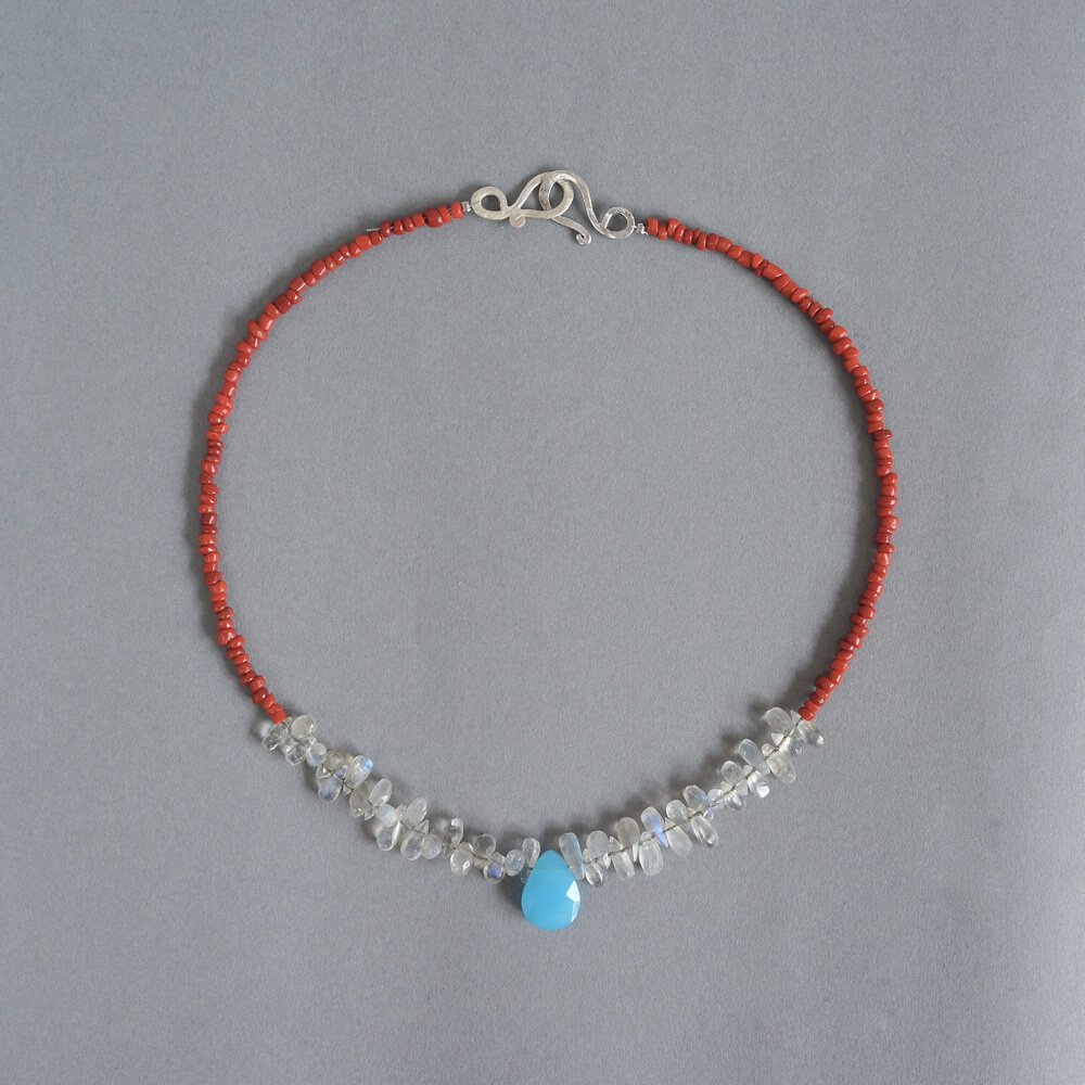 Melanie Decourcey/Beaded Necklace/Nepalese coral with teadrop shaped labradorite & blue glass