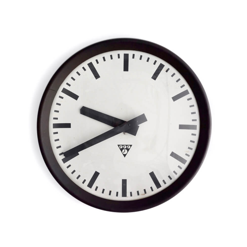 Pragotron / Wall clock