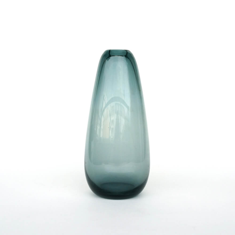 <img class='new_mark_img1' src='https://img.shop-pro.jp/img/new/icons57.gif' style='border:none;display:inline;margin:0px;padding:0px;width:auto;' />Wilhelm Wagenfeld / Glass Vase for WMF /トルマリンブルー