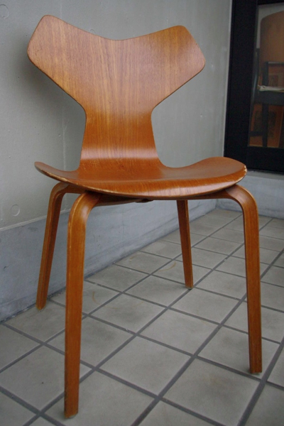 Arne Jacobsen/ 3130 Grand Prix Chair/Teak