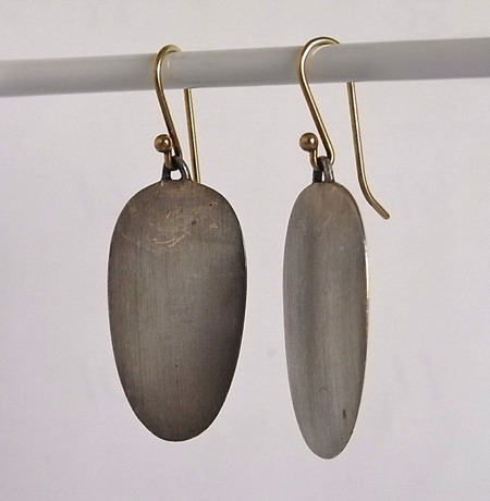 Ted Muehling / earrings