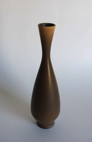 Berndt Friberg/ Vase (S)/ Brown