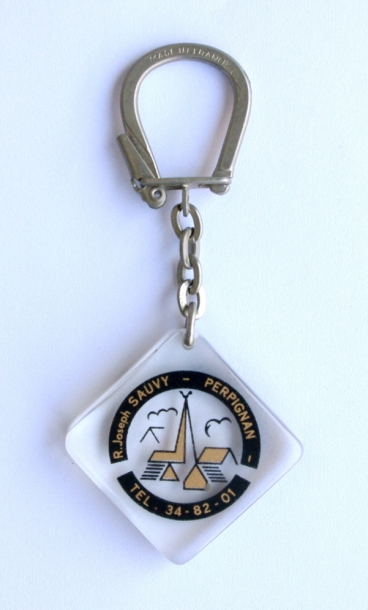 French Vintage Keyring / MUTUALITE AGRICOLE Pyrenees orientales