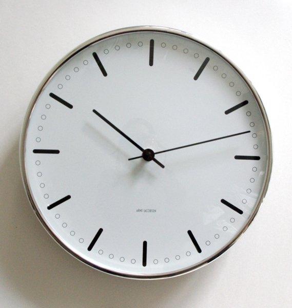 AJ Wall clock/City Hall