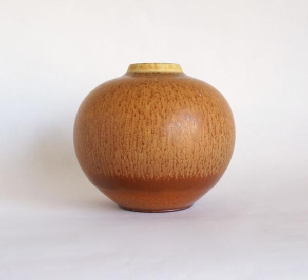 Berndt Friberg/ Vase (M)/ Light Brown