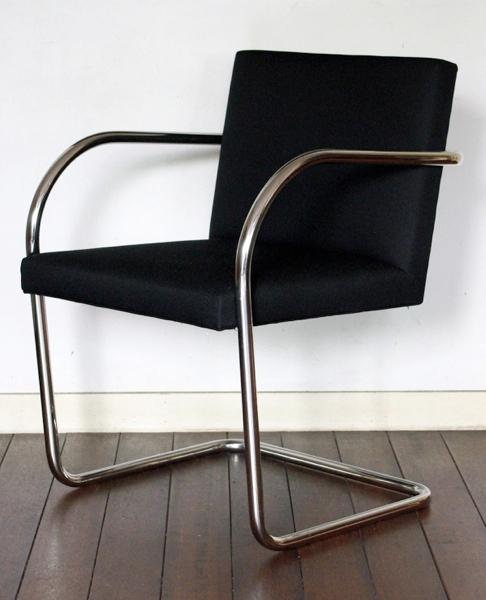 Ludwig Mies van der Rohe/ Brno Chair - Tubular