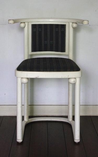 Josef Hoffman / Cabaret Fledermaus chair_A