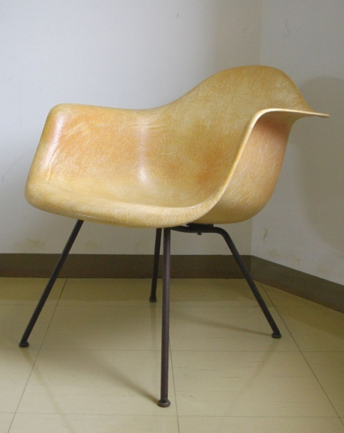 Charles & Ray Eames/ X-base/Armshell Chair(White)