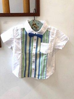 蝶ネクタイ付き半袖シャツ