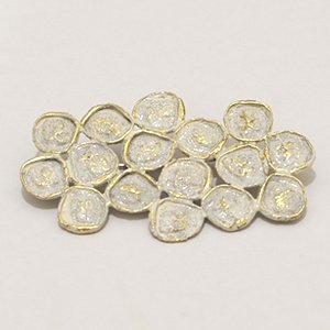 小原聖子 brooch WHITE 25