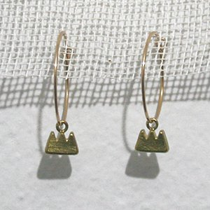 小原聖子 pierced earrings 22
