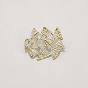 小原聖子 brooch WHITE 18