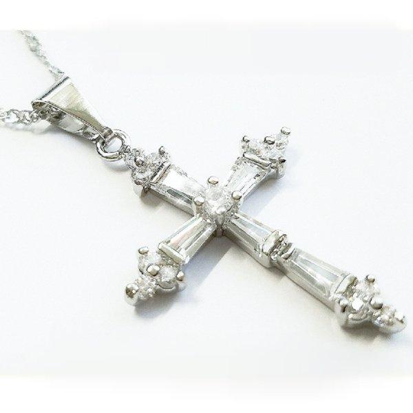 ダイヤモンド クロス ネックレス 十字架 ヴィクトリア ベッカム 結婚式招待状 ジュエリー