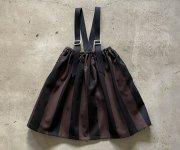 <img class='new_mark_img1' src='https://img.shop-pro.jp/img/new/icons7.gif' style='border:none;display:inline;margin:0px;padding:0px;width:auto;' />【予約販売】eLfinFolk(エルフィンフォルク)/Wide stripe suspenders skirt - charcoal x black