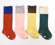 <img class='new_mark_img1' src='https://img.shop-pro.jp/img/new/icons7.gif' style='border:none;display:inline;margin:0px;padding:0px;width:auto;' />mina perhonen(ミナ ペルホネン)/ duo socks