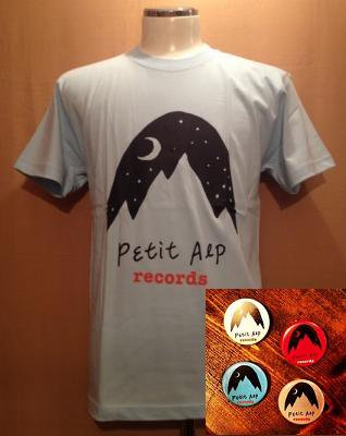 『Petit Alp Records LOGO T-Shirts & 缶バッジ4個セット [ライトブルー]』 (TEE&BADGE/TAIWAN)