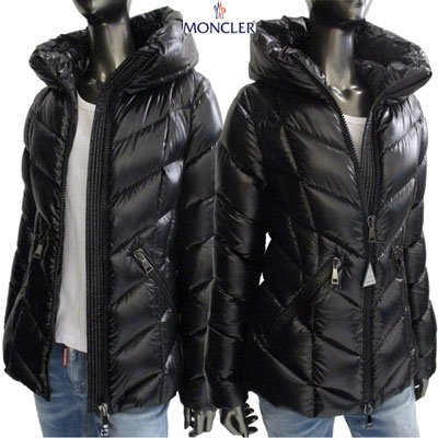 <img class='new_mark_img1' src='https://img.shop-pro.jp/img/new/icons15.gif' style='border:none;display:inline;margin:0px;padding:0px;width:auto;' /> モンクレール(MONCLER) レディース FULIG フリ アームロゴ付き・ショート丈ダウンジャケット 4691505 C0065 999 91A