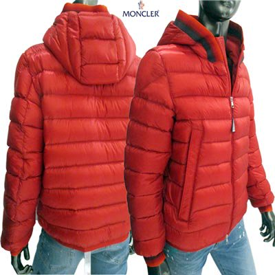 <img class='new_mark_img1' src='//img.shop-pro.jp/img/new/icons1.gif' style='border:none;display:inline;margin:0px;padding:0px;width:auto;' />モンクレール(MONCLER) メンズ AVRIEUX フード・袖口部分グラデーションカラー入りダウンジャケット レッド 4193549 53334 455 (R160600) EC91A