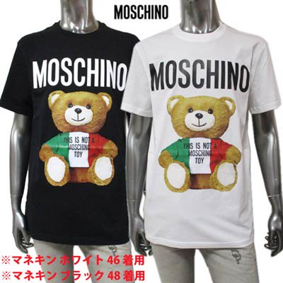 <img class='new_mark_img1' src='https://img.shop-pro.jp/img/new/icons1.gif' style='border:none;display:inline;margin:0px;padding:0px;width:auto;' />モスキーノ MOSCHINO メンズ トップス Tシャツ 半袖 ロゴ 2color MOSCHINO BEAR転写プリント付きTシャツ 白/黒  ZPV0720 2040 1001/1555