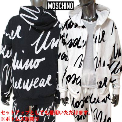 <img class='new_mark_img1' src='https://img.shop-pro.jp/img/new/icons1.gif' style='border:none;display:inline;margin:0px;padding:0px;width:auto;' />モスキーノ MOSCHINO メンズ トップス パーカー 2color セットアップ可(ボトムス別売り) 総柄筆記体ロゴプリント付ジップパーカー A1702 8111 1001/1555