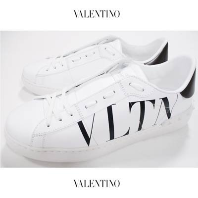 ヴァレンティノ(VALENTINO) メンズ 靴 スニーカー スタッズ型押しデザイン・ボディーロゴプリント付ローカットスニーカー  WY2S0830 PST A01