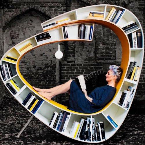 繭玉に包まれたような本棚+椅子のメイン画像