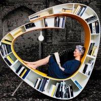 繭玉に包まれたような本棚+椅子の商品画像