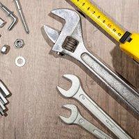 スチール棚の組み立てに必要な工具類の画像