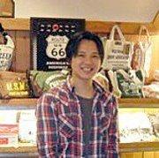 アジュカジュの店主の画像