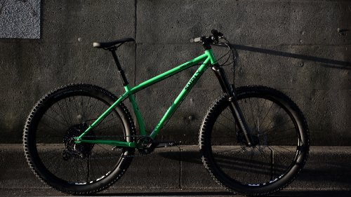 SURLY / KARATE MONKEY SUS / 27.5+ High Fiber Green