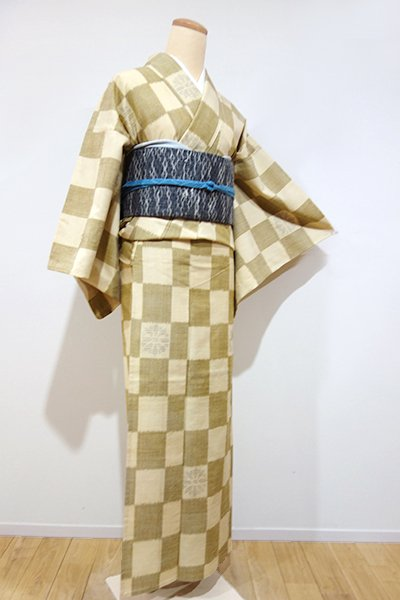 WEB限定【A-2080】単衣 紬 黄朽葉色×砥粉色 市松に花文