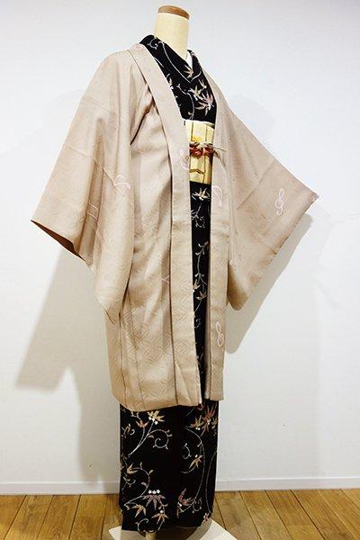 銀座【E-795】羽織 白橡色 音符の図(羽織紐付・反端付)