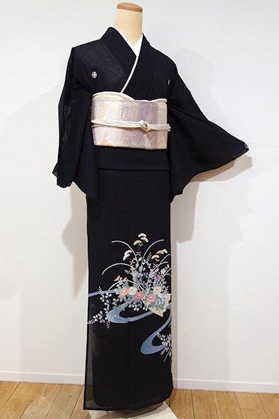 銀座【B-1859】(広め)絽 染五ッ紋 黒留袖 流水に秋草の図(落款入り)