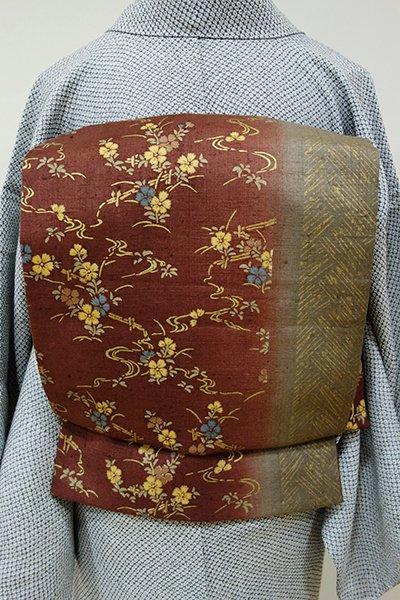 あおき【L-3810】結城紬地 染洒落袋帯 葡萄茶色×生壁色 竪暈かしに花の図 (証紙付)
