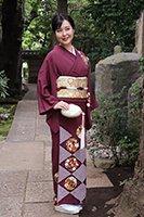 【着物2281】銀座志ま亀製 繍一ッ紋訪問着 赤紫色 疋田に花の丸