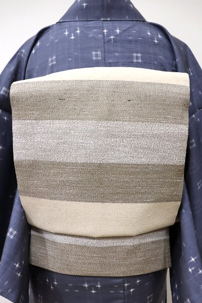 銀座【L-4016】本場縞大島紬 織洒落袋帯 練色×灰汁色×絹鼠色 横段(証紙付)