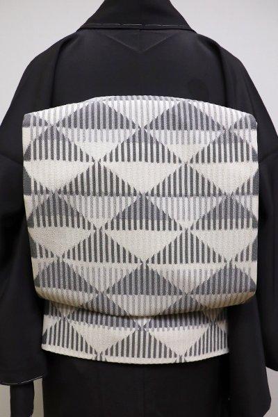 あおき【L-4055】日本工芸会正会員 樋口隆司作 絹縮 洒落袋帯 白練色×消炭色 鱗文(反端付)