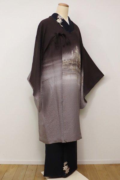 あおき【E-913】絵羽 和装コート 黒鳶色×桔梗鼠色 教会のある風景・ベネチア