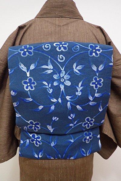 あおき【K-5681】縮緬地 名古屋帯 藍色 花唐草の図