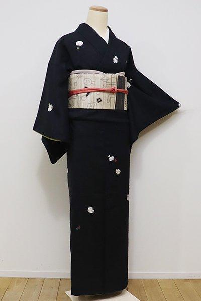 あおき【B-2027】(S)青柳製 紬地 絞り染め 付下げ 黒色 猫の図(落款入)