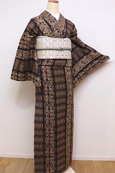 銀座【A-2671】木綿着物 憲法黒茶色×白橡色 イカット