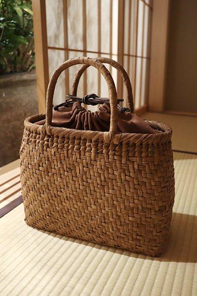【G-1164】山葡萄籠バッグ 網代編み 丸 中 巾着付き(新品)