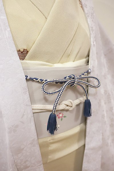 銀座【G-1206】京都 衿秀製 羽織紐 丸組 褐返色×白色(新品)