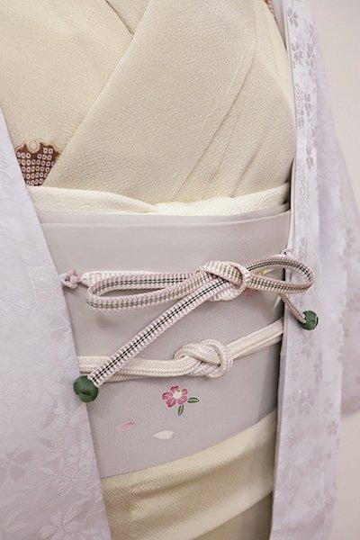 銀座【G-1208-3】京都 衿秀製 羽織紐 平組 灰桜色×白色 暈かし (新品)